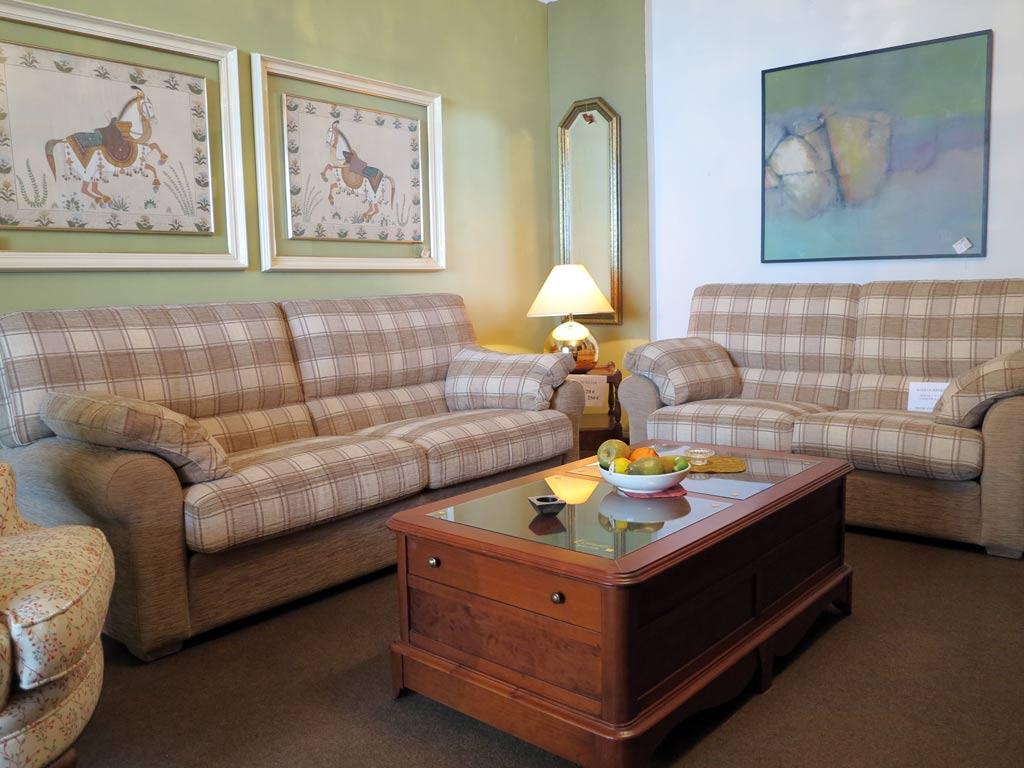 Sof s 2 y 3 plazas muebles arribas for Muebles valenti catalogo