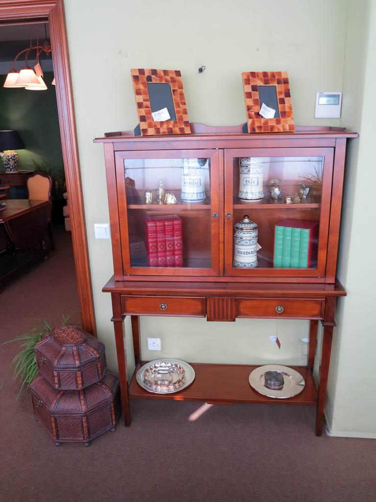 Vitrina madera cerezo muebles arribas for Muebles madera maciza outlet