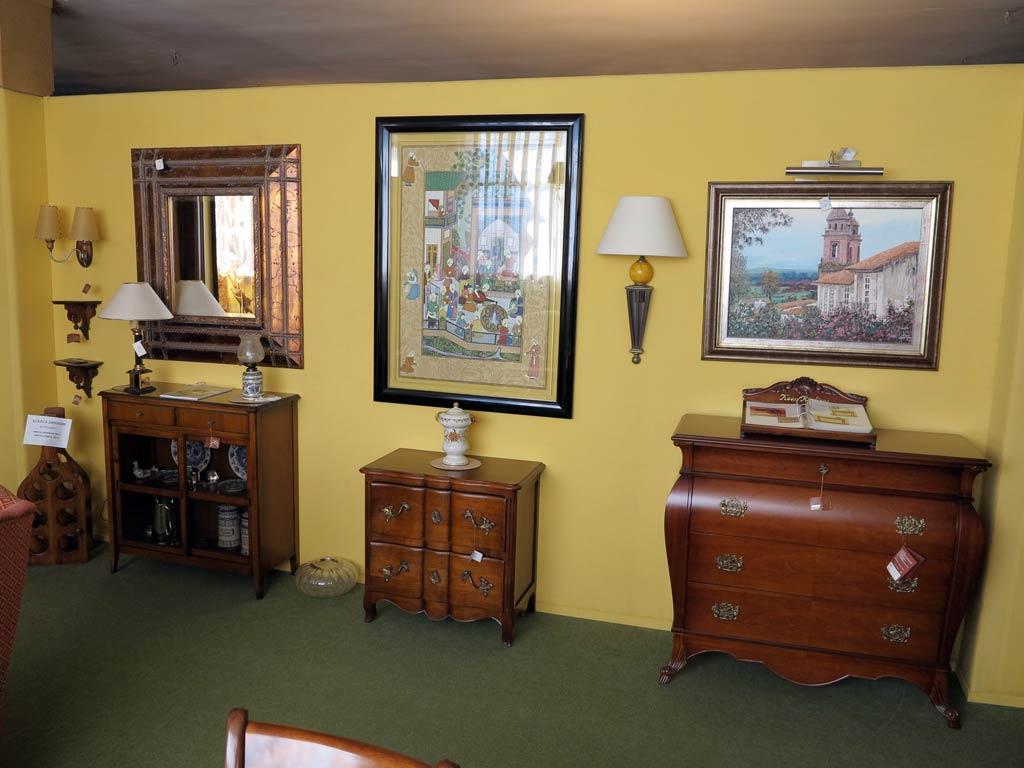C modas cuadros y espejo muebles arribas for Muebles valenti catalogo