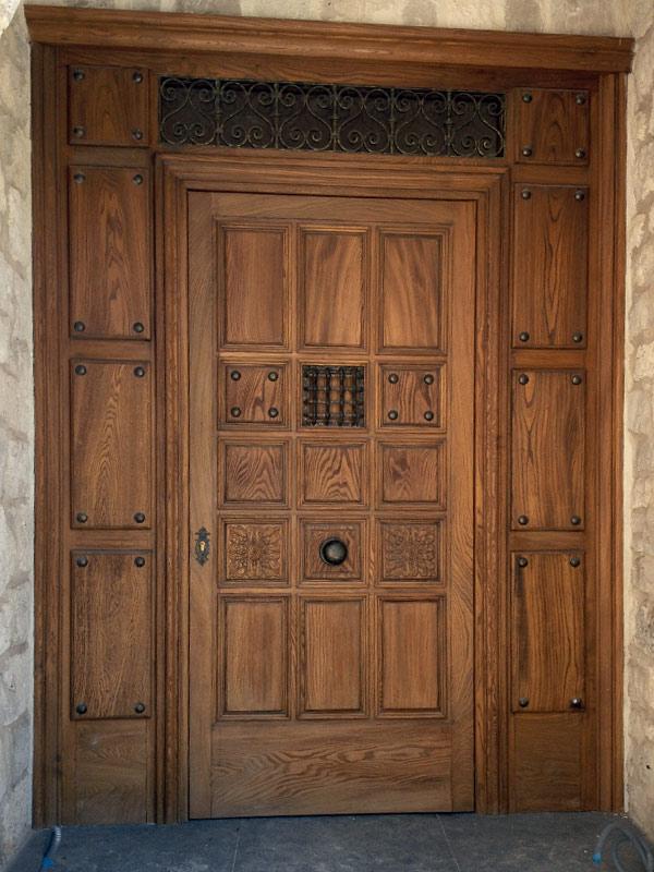 Puerta madera maciza muebles arribas for Precio puerta madera maciza