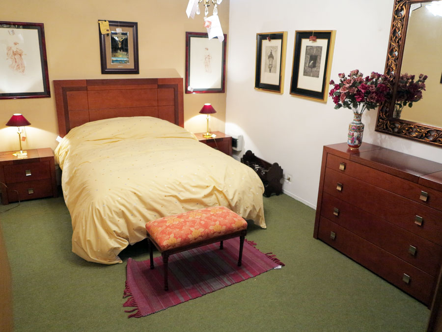 Dormitorio en madera de cerezo y nogal muebles arribas for Precio dormitorio completo