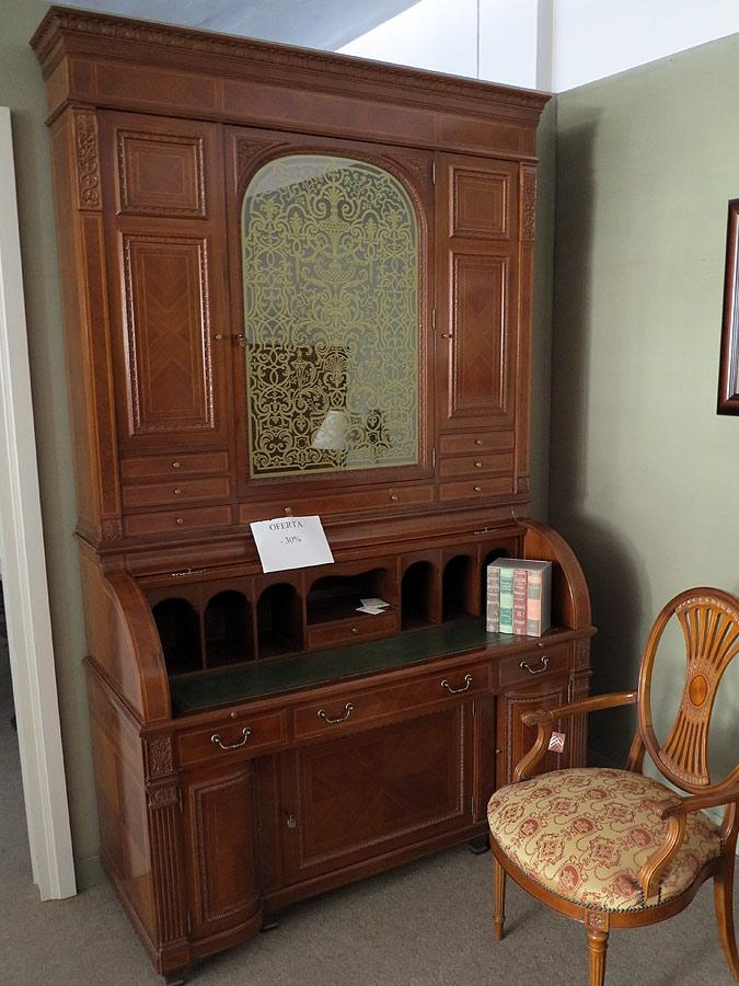 Mueble canterano en madera de nogal muebles arribas for Muebles valenti catalogo