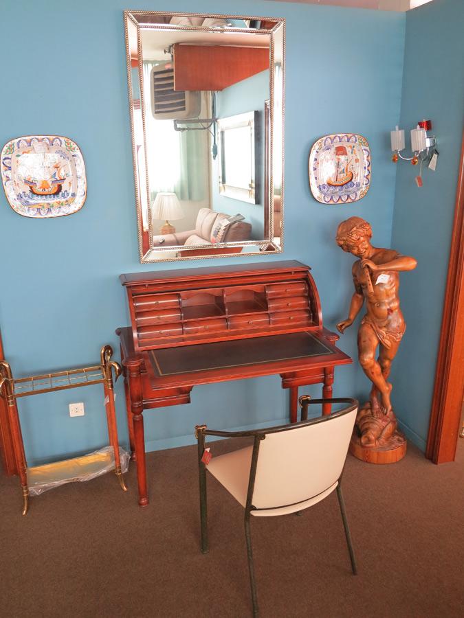 Escritorio en madera muebles arribas for Muebles valenti catalogo