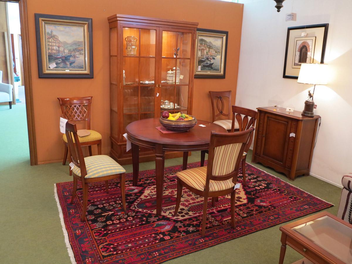 Ambiente comedor exposici n muebles arribas for Muebles valenti catalogo
